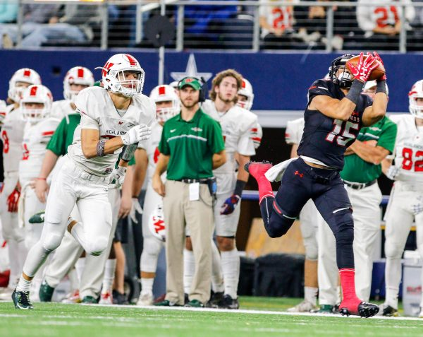 December 17, 2016 - Texas UIL 6A Div. I State Championship game between The Woodlands and Lake Travis at AT&T Stadium in Arlington, Texas.  (Image Credit: John Glaser/texashsfootball.com)