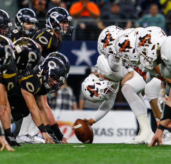 December 15, 2016 - Texas UIL 3A Div. I State Championship game between Crawford and Refugio at AT&T Stadium in Arlington, Texas.  (Image Credit: John Glaser/texashsfootball.com)