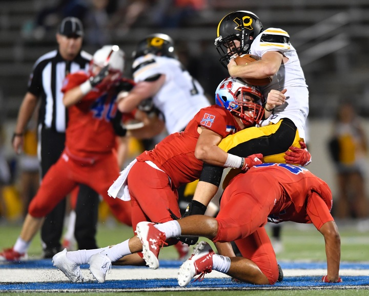 No. 8 Midlothian Heritage 'Gets Physical,' Runs Away With 40-21 Statement Victory Over Crandall